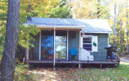 Tahquamenon river cabin for Cabins near tahquamenon falls